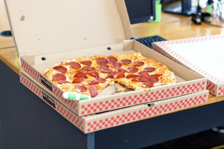 MA_Pizza Box-725x483-Pixnio.jpg